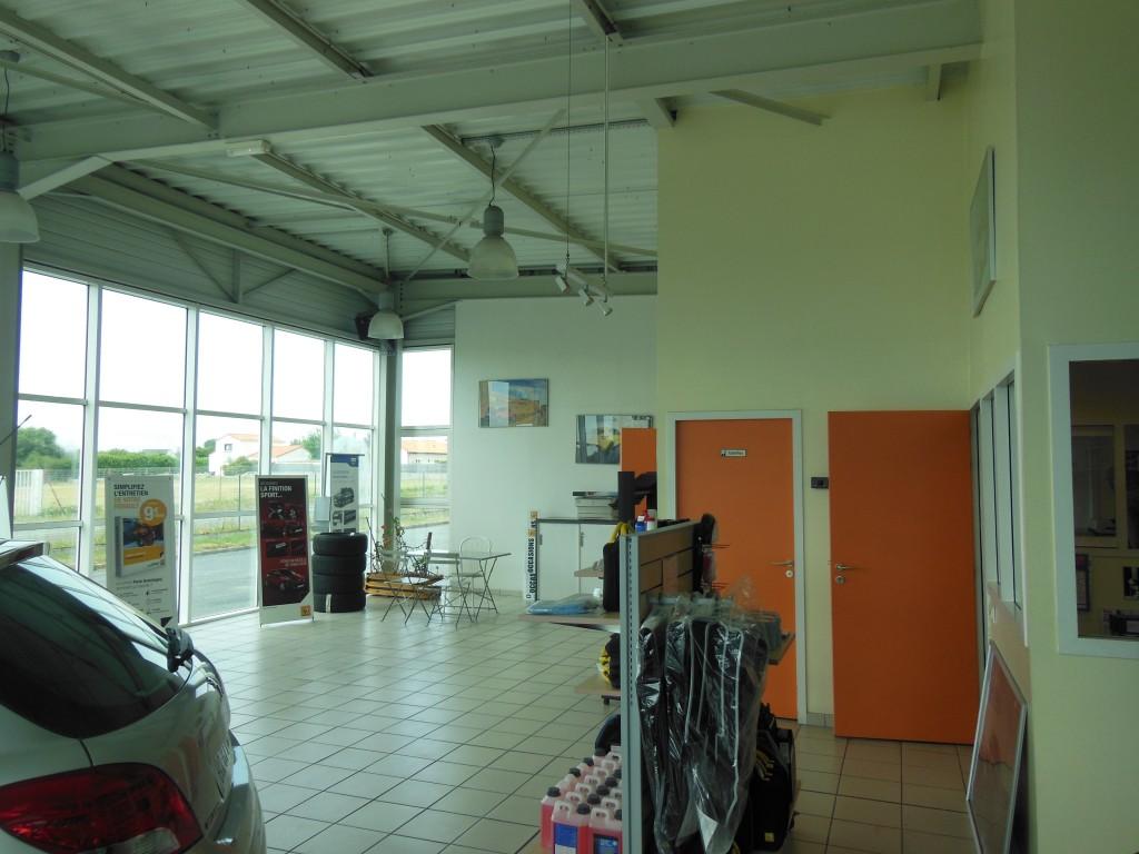 R f rence 965 b timent artisanal clemot immo est une for Garage partenaire allianz